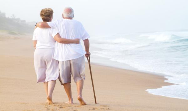 Pés de idosos: cuidados que deve ter no atendimento ao idoso